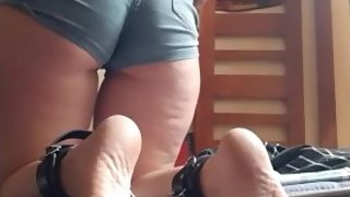 Being a good slut & making myself cum while my legs are cuffed together