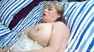 OmaGeiL Collection of Hot Mature Films and Pics