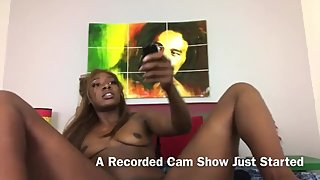Peak show OF HOT EBONY CAM MODEL