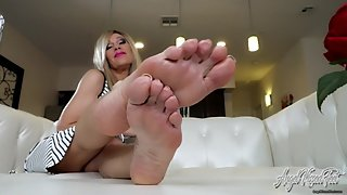 Sneaky Foot Fun With Your Girlfriend's Mom - Nikki Ashton -