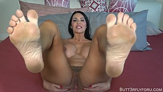 Butt3rflyforu Makes You Jerk To My Dirty Soles