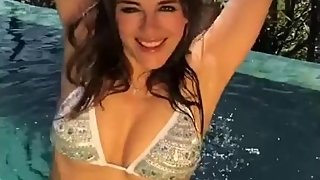 Dream of Golden shower  on Liz Hurley