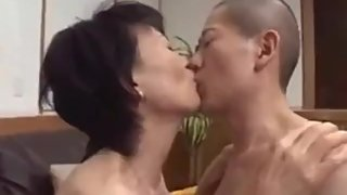 Japanese Asian Cougar Enjoy Young Lover Good Sex