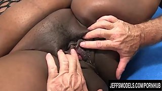 Fat Ebony MILF Daphne Daniels Has Her Delicious Black Pussy Licked n Dicked