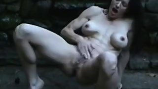 Milf with stunning body masturbating and squirting