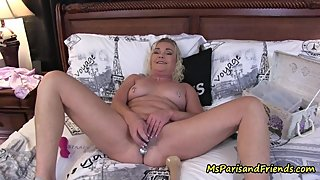 Mommy Loves to Cum as I Watch